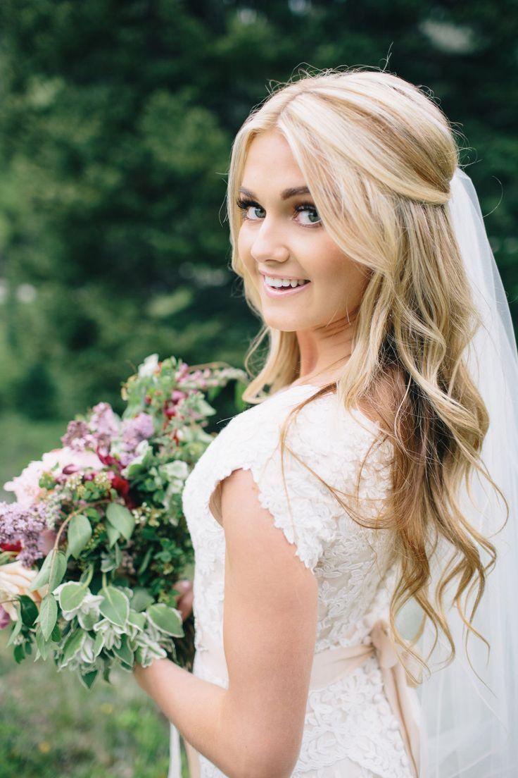 Prom hair #Hair #halboffen #Prom #braut #BrautFri…