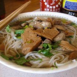 Vegetarian-friendly Pho (Vietnamese noodle soup) | noodles | Pinterest