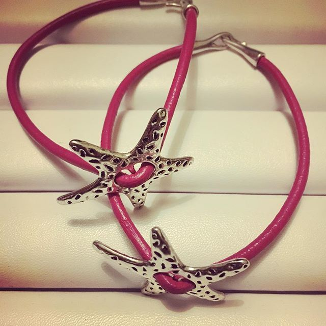 @lilit.es Pink genuine leather bracelets #bracelets #leatherbracelets #pulseras #pulserasdemoda #jewelry #jewels #lifeisgood #lavidaesbella #instafashion #instachic #instajewelry #instapic #instatrend #goodnight #toledo #madeinspain #madrid #nightlife #peace #love #loveit #pink #pinkleather #cuero #piel #cuoio #schmuck @lilit.es @nana_by_margalgau @lilit.es