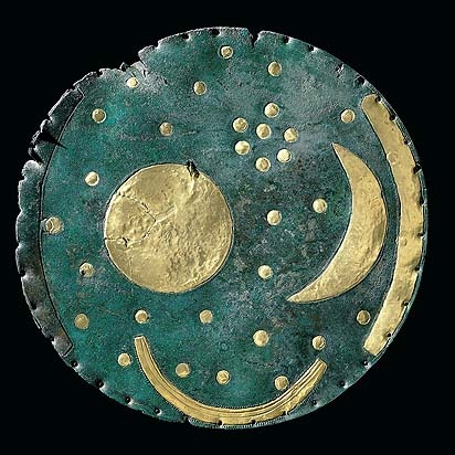El Disco de Nebra (Sajonia-Anhalt, Alemania) es la representación más antigua que se conoce de la bóveda celeste (Edad del Bronce, 1.600 aC).