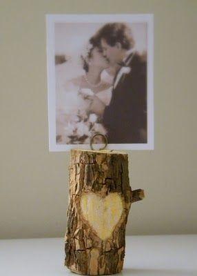 Tree branch photo holder.... LOVE THIS