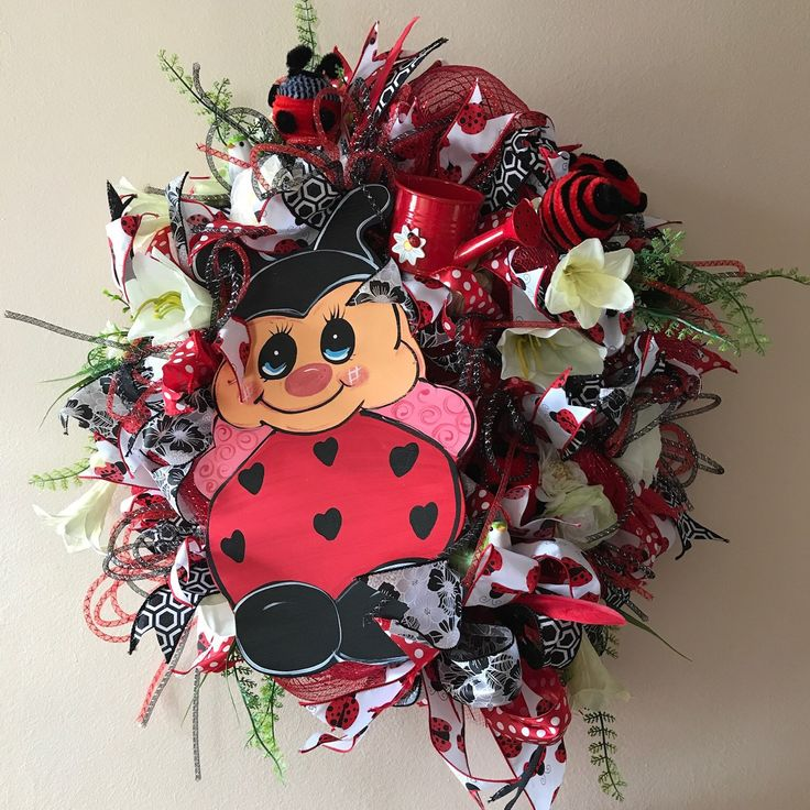 Cute ladybug wreath. Now on sale. Great addition to summer home decor. Many other wreaths now on sale in my etsy shop TapsikDesign. Worldwide shipping.