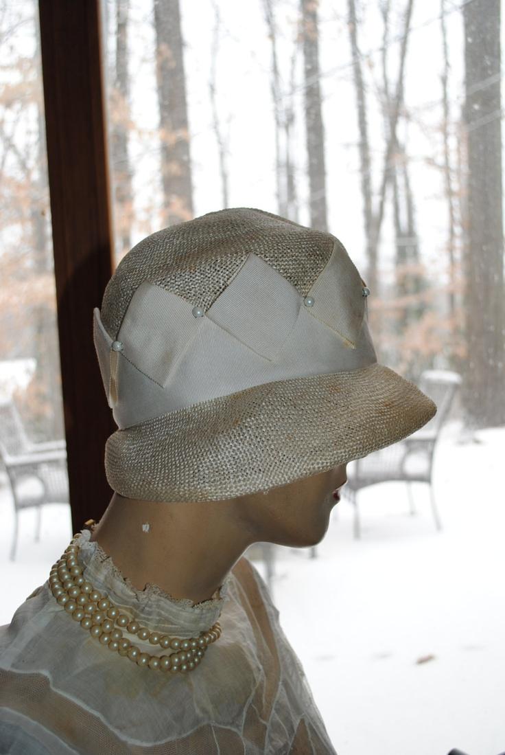 1920 Cloche Hat Vintage White Straw Flapper Hat  Love the ribbonwork!