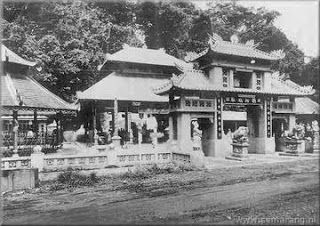Memasuki kawasan pecinan (Chinatown) Semarang ibarat memasuki wilayah 1001 klenteng. Bagaimana tidak, hampir di setiap ujung gang di kawasan...