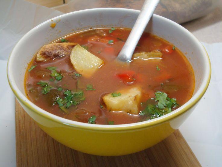 Zupa prawie kolumbijska, bo zamieniłam kilka składników na takie, które są łatwiej dostępne w Polsce. Zupa jest sycąca, ma aromatyczną mies...