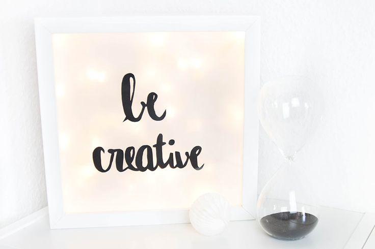 Hier seht ihr eine Anleitung, wie ihr ganz einfach eure eigene kleine Lightbox basteln könnt :) Die DIY Lightbox ist eine schöne Deko oder Geschenkidee! Alles was ihr dafür braucht: - 1 tiefer Bilderrahmen z.B. Ribba (Ikea) - 1 Lichterkette mit LED-Lichtern...