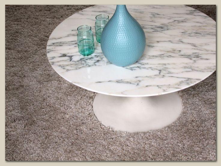 Table basse dessus marbre Saarinen vintage