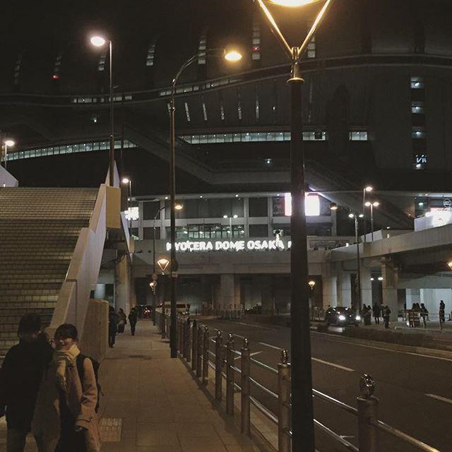 Instagram【ochonseyo】さんの写真をピンしています。 《素敵な夜の京セラドーム。 素敵がつくといい気分♡ 去るのが名残惜しい場所にずっと居たかった #BIGBANG #빅뱅 #ビッベン #KYOCERA #京セラドーム #0to10 #0to10thefinal #大阪 #夜景 #風景 #night #夜》
