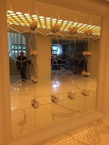 Зеркало 6мм с гравировкой. Выполнено из нескольких элементов. г. Москва п. Николино.