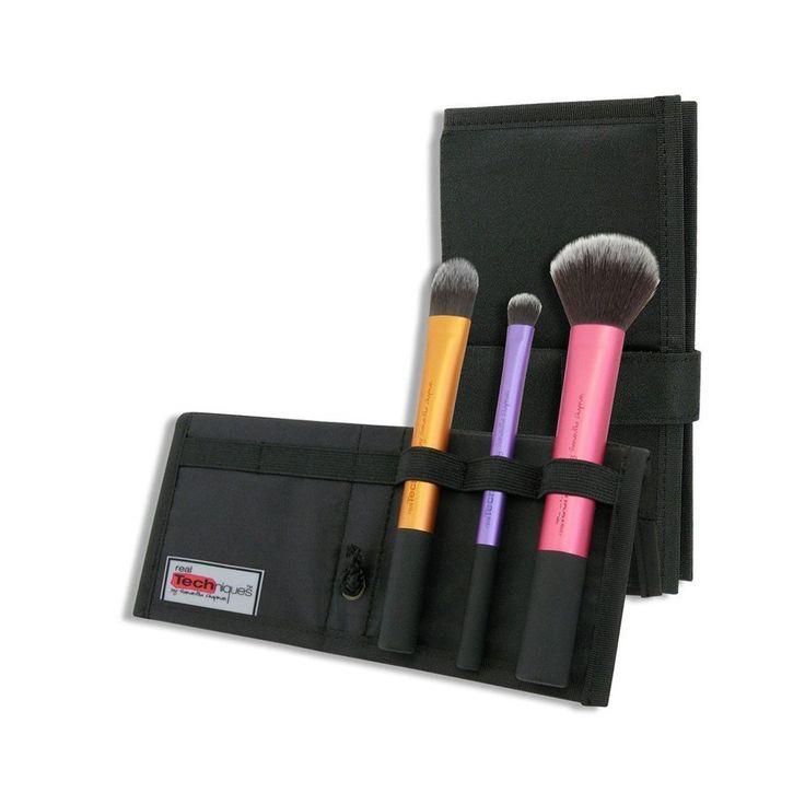El set viajero de brochas o pinceles Travel Essentials de Real Techniques creado por Samantha Chapman son una excelente opción a la hora de invertir en herramientas para la aplicación de maquillaje...
