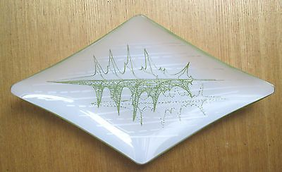 Rare Chance Glass 1950s Maragret Casson Green Leaf? diamond Dish. Sold for £21.00 31/5/14