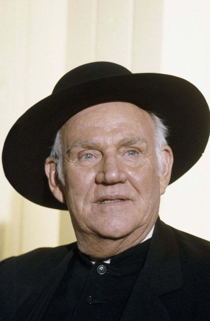Still of Dabbs Greer in Little House on the Prairie. He was the minister.