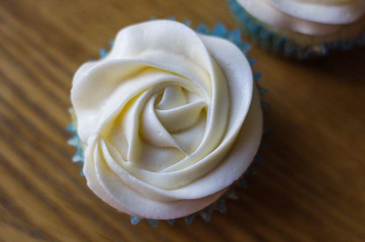 Сметанный крем Пломбир для пирожных, кексов, капкейков | Рецепты тортов, пошаговое приготовление с фото