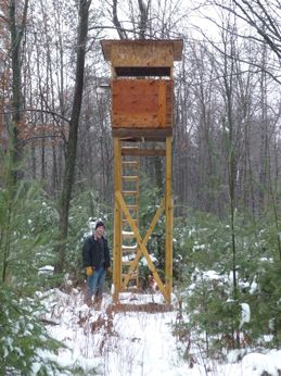 307 best images about hunting huts on pinterest a deer for Tree stand building plans