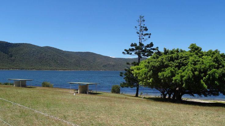 Picnic areaa, Eungella Dam #picnic #Eungelladam #lakes