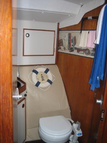 Toilette du Voilier Usagé 1984 Jeanneau SUNFIZZ 40'