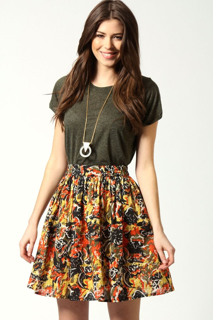 Inverted triangle: Kirsty Floral Print Circle Skirt