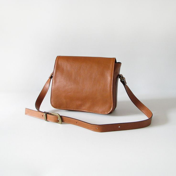 The Janet Saddles Sister handbag is handmade from quality cowskin leather.