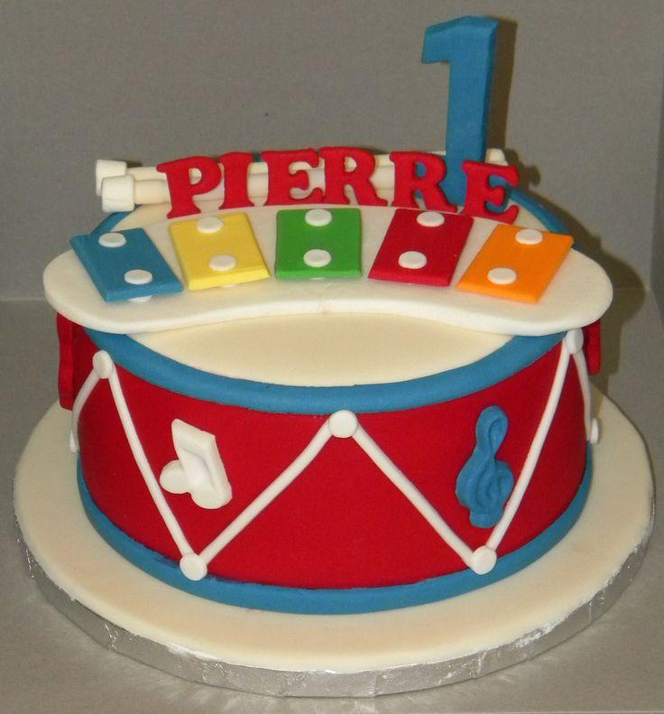 Musical theme birthday cake