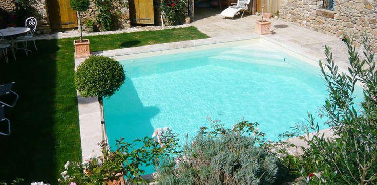 euro piscine services free la piscine naturelle selon euro piscine services with euro piscine. Black Bedroom Furniture Sets. Home Design Ideas