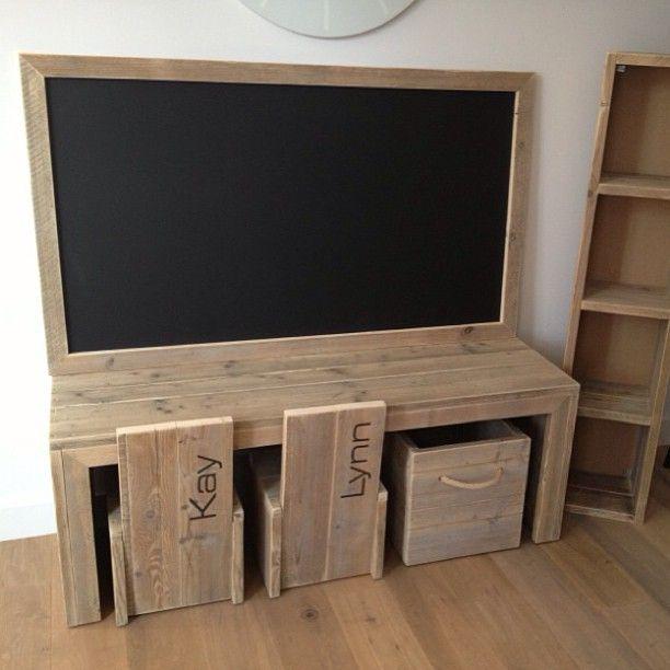 Kinderspeelhoek w00ty #w00tdesign #steigerhout #meubels #design