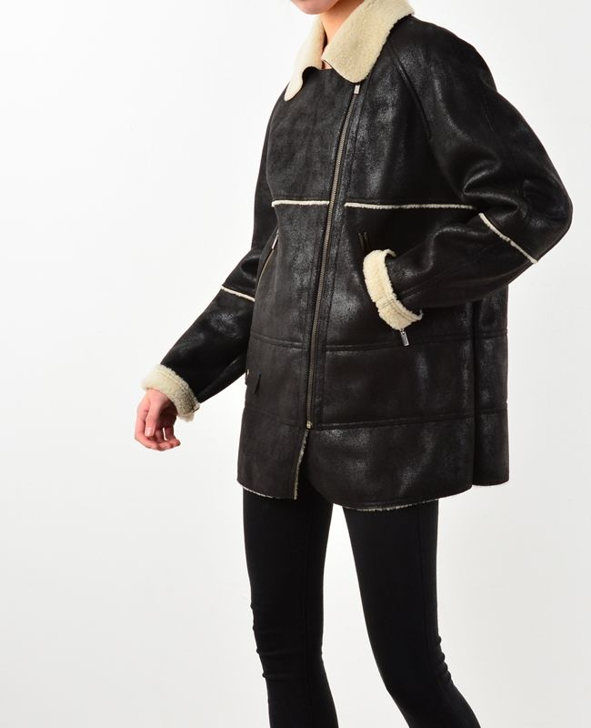 One pocket faux shearling long jacket ♥The beautiful classics, fashion trends online at bosroom.com #vibes #fauxfur #furjacket #fauxfurvest #leather #fauxfurjacket #outer #winter #fall #cold #freezing #move