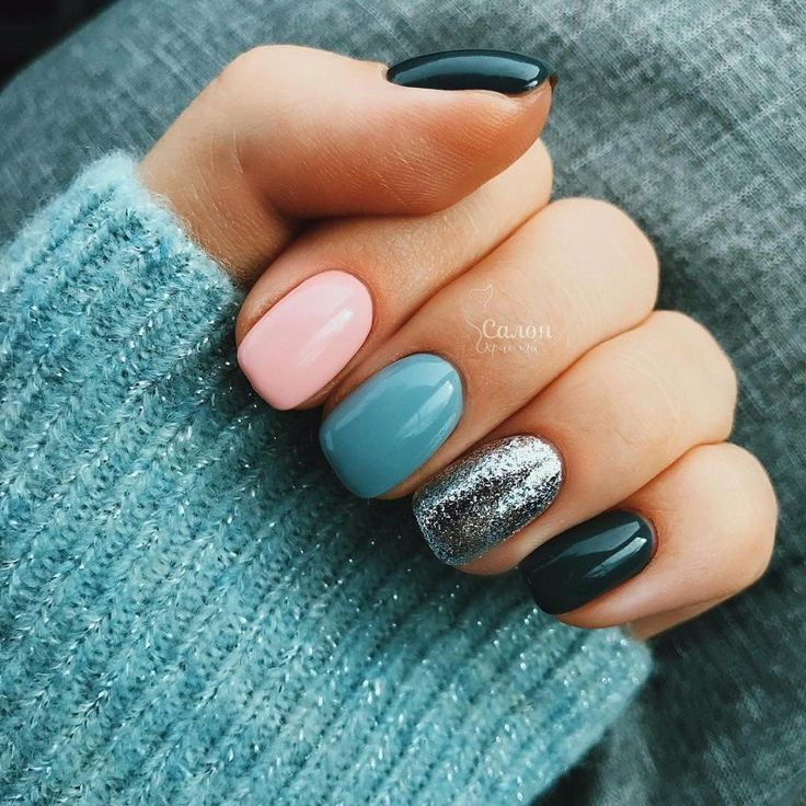 I would just have the glitter, blue and pink for my nails!!! Not a fan of the black/navy... #nails