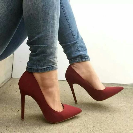911517e8044 Blue jeans and burgundy matte shoes - LadyStyle