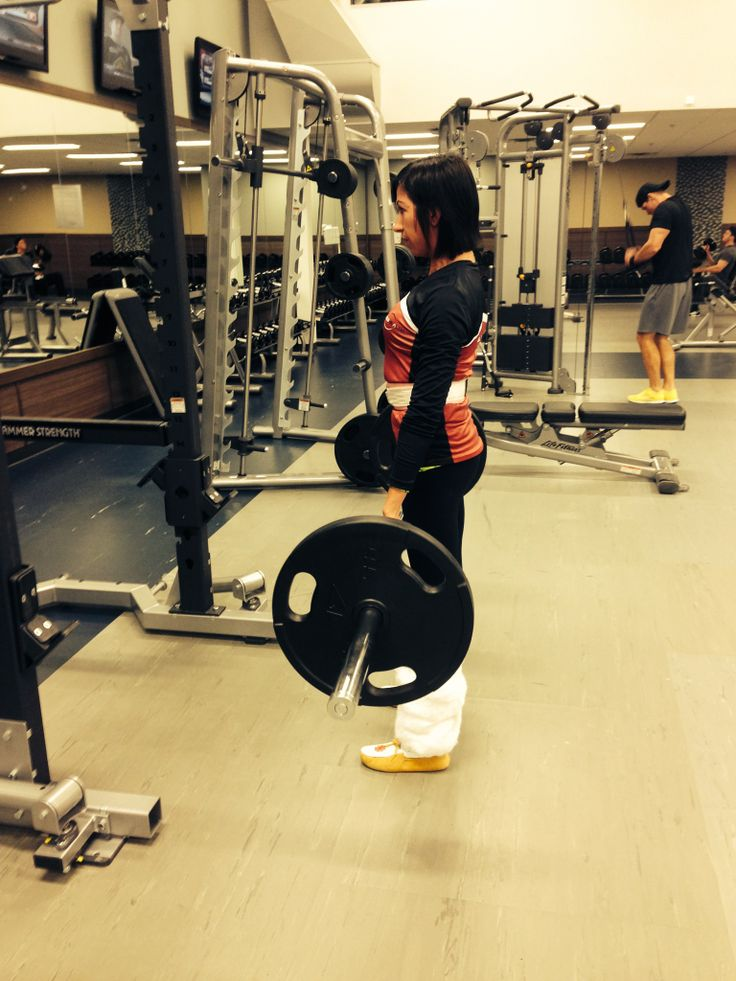 Jenn, dead lifting in her boots! <3  #clublife #boom