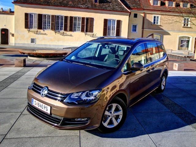 """[VW Sharan 2,0 TDI 4Motion Sky] Volkswagen bietet den Sharan jetzt auch mit dem 4Motion Allradantrieb an, wir haben den 140 PS-Diesel in der Top-Ausstattungslinie """"Sky"""" zum Test begrüßt. #vw #sharan #4motion #volkswagen"""