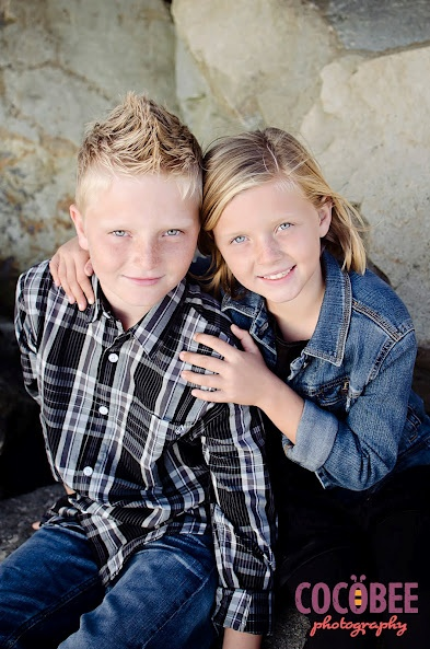 http://www.cocobeephotography.com - adorable brother and sister shot, and look at those gorgeous eyes!