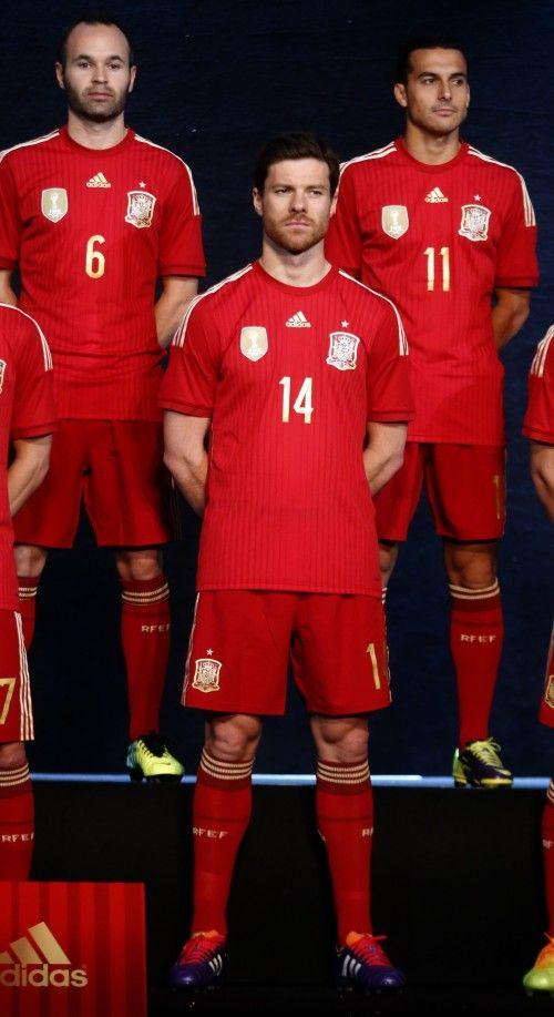 Así es la nueva camiseta de la selección española para el Mundial 2014   Intereconomía   1111779