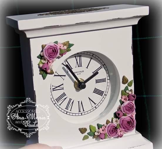 Ceas decorat cu flori din lut polimeric - handmade with love by Ana Maria and Paula