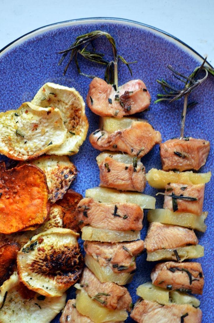 Taste me! Eat me!: Szaszłyki z piersi kurczaka na gałązkach rozmarynu...