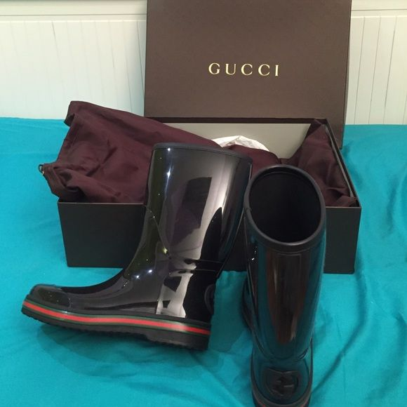 Gucci Rainboots Gucci Rainboots. Worn once. Intended for men but it can be unisex. SIZE: MENS SIZE 6 // WOMENS SIZE 8. No trades/lowball offers. NEED TO GO I WILL NEGOTIATE Gucci Shoes Winter & Rain Boots