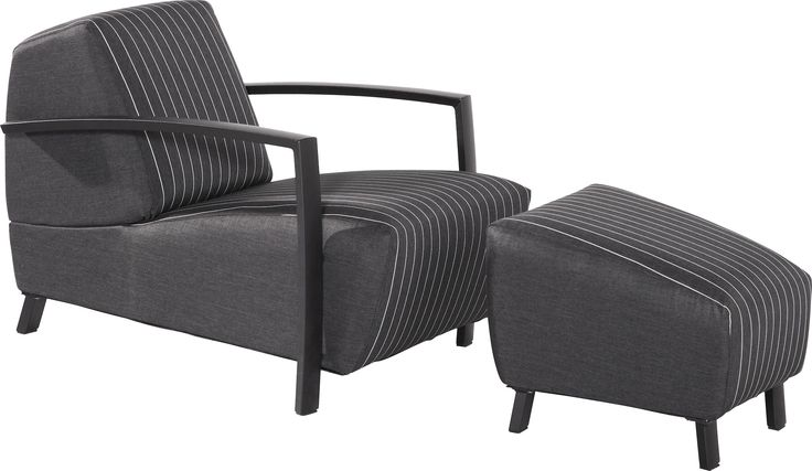 4 Seasons Outdoor Hugo lounge stoel + footstool www.mazz.nl