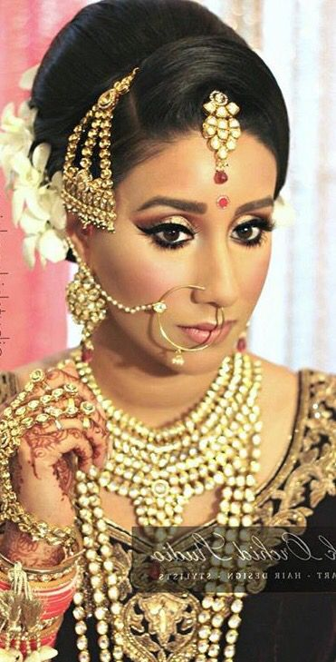 Desi Bride Indian Princess Nose Rings Clothes Bridal Jewelry Model Diamond Necklaces Wedding Accessories