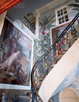 The Devoted Classicist: Versace's Casa Casuarina
