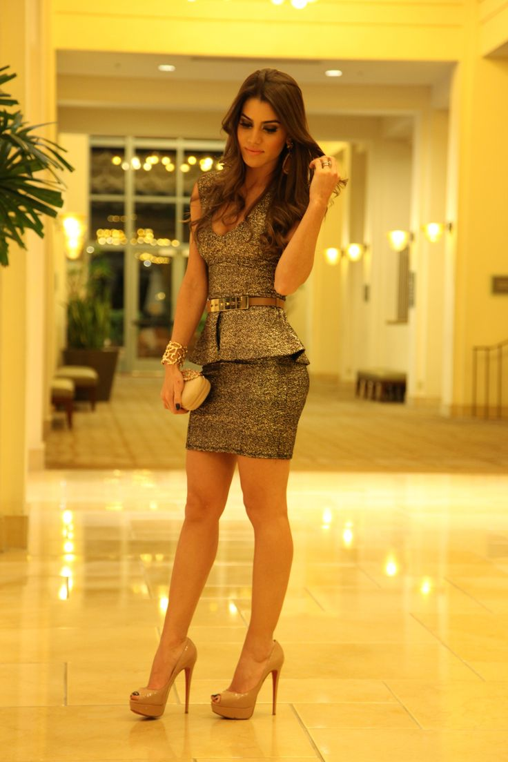 Like seriously, this girl dresses beautifully! ^_^ Shimmering Peplum outfit with nude shoes.