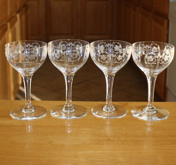 Lovely, Set of 4, Vintage Etched, Floral / Geometric Cordial / Cocktail, Liquor Glassesby cocoandcoffeevintage