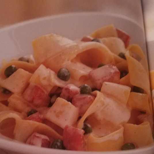 Pappardelle with Ham and Peas
