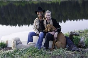 Patrick Swayze obit: Patrick Swayze and his wife Lisa Niemi pose with their dogs
