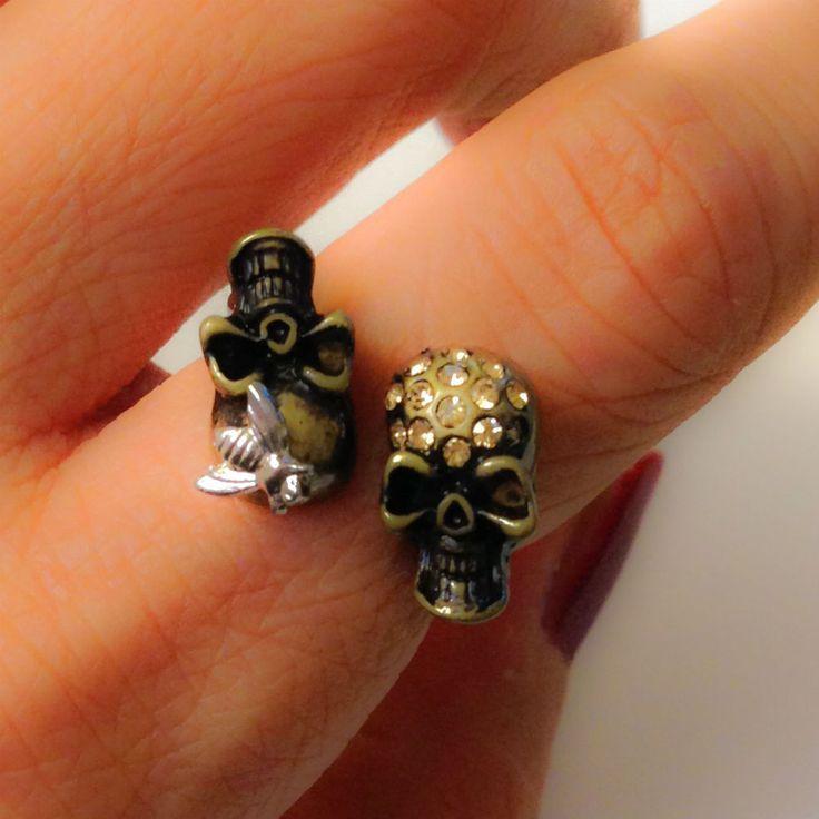 Two Skull Ring #152