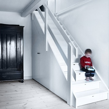 Cool Stair Design - each riser is a drawer and there's storage under the angle