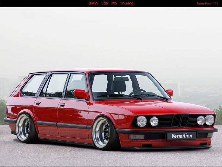 Red Gusheshe BMW E28 M5 Touring red...