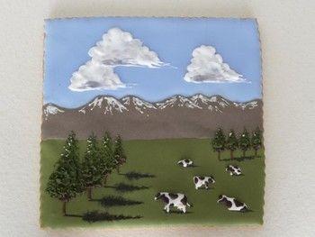 十勝菓子工房 菓音 *KANON*北海道ののどかな大草原といったところでしょうか。まるで絵画のようですが、実はクッキー。アートクッキーとして販売されています。