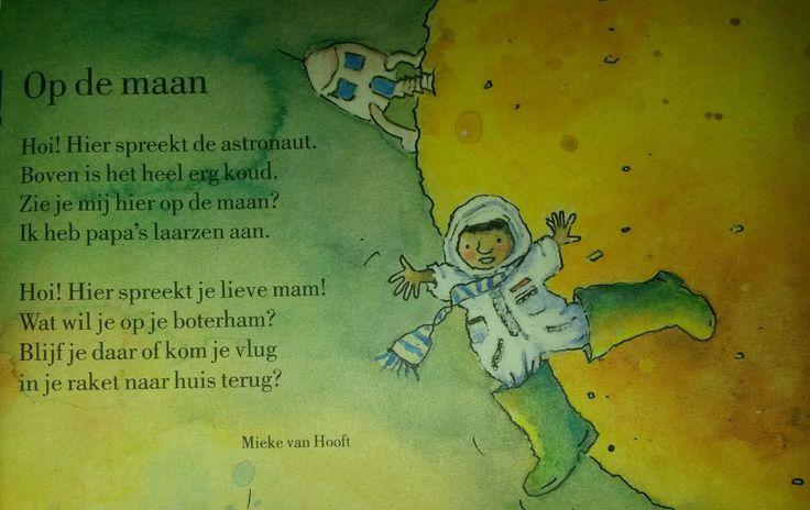 Versje: op de maan