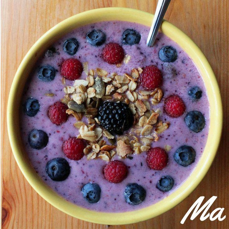 Berry-Smoothie-Bowl! Heerlijk gezond vruchten ontbijtje! :)