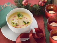 Weihnachtliche Kürbissuppe | Kalorien: 322 Kcal - Zeit: 45 Min. | http://eatsmarter.de/rezepte/weihnachtliche-kuerbissuppe