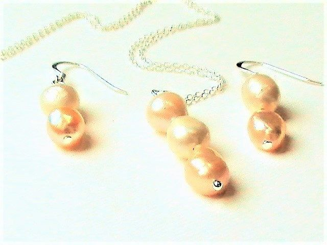 New! Bridal Jewellery Set, Necklace & Earrings, Freshwater Pearls, Sterling Silver, Champagne, Off White, Wedding Jewellery, Pearl Gift for Bride http://etsy.me/2CPDVfO #jewellery #beige  #women #pearl #necklace